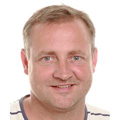 Flemming Bloch underviser i fodbold, andre bold-valgfag, matematik og sangtimer