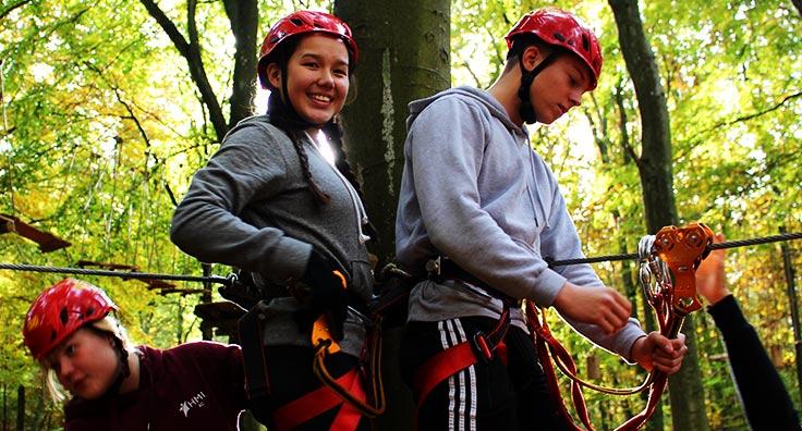 high rope aktiviteter er en del af adventure linjen