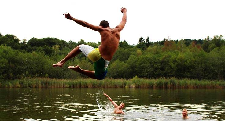adventure er blandt andet svømning i søerne