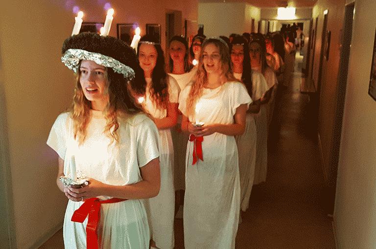 Luciaoptog på Tirstrup Idrætsefterskole