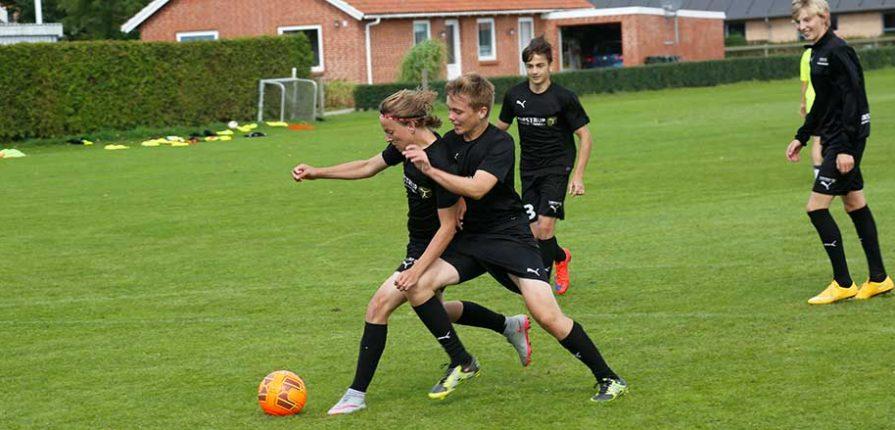 ØM i foldbold på Tirstrup Idrætsefterskole